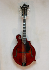 Eastman MD615 Classic Finish w/ K&K pickup and HSC
